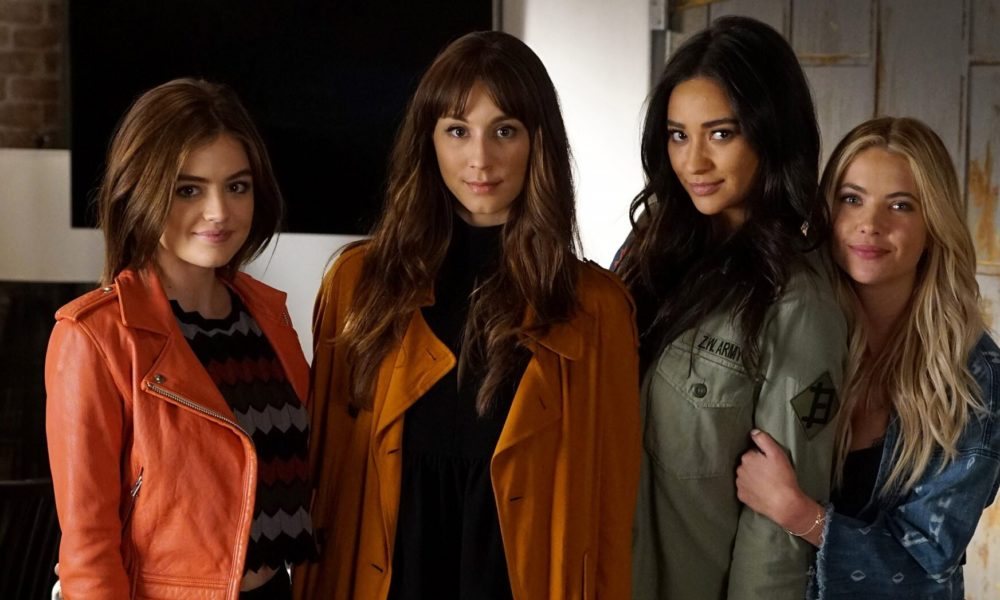 Pretty Little Liars reboot in the works from Riverdale showrunner