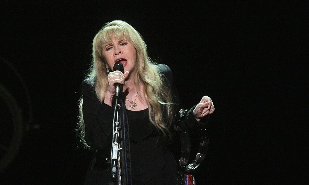 Stevie Nicks is bringing her 24 Karat Gold concert tour to theaters this fall